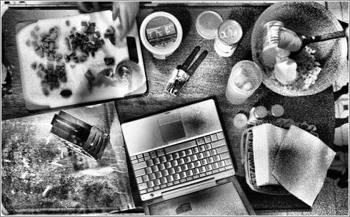 Foto: Dinner preparations (CC) Hobvias Sudoneighm @ Flickr
