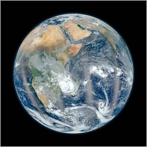 Easter Hemisphere / Blue Marble 2012 (CC) NASA/NOAA
