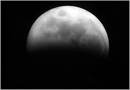 Eclipse Lunar, 3 de marzo de 2007 (23.30 UTC/GMT+1), (cc) Alvy www.microsiervos.com