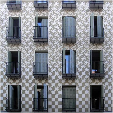 Fachada de Escher en Conde de Romanes, 14 (Madrid) (CC) Alvy