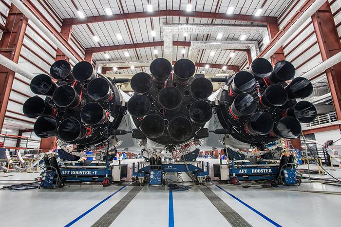 Falcon heavy 27 motores