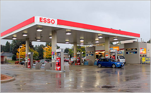 Gas-Station-Esso