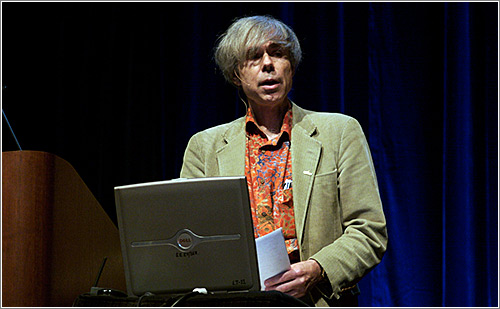 Doug Hofstadter presentation (CC) Null0 @ Flickr
