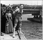 Houdini preparándose para escapar en uno de sus retos