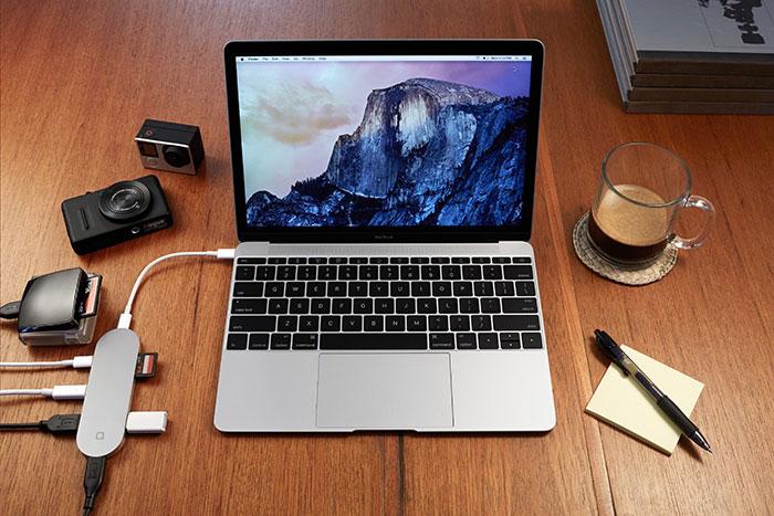 Hub+ resuelve el «problema» de añadirle cables y conectores al MacBook que (apenas) lleva cables