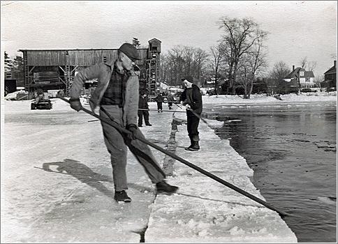 Huelo: Ice Gathering