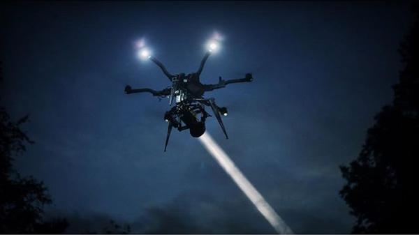 Iluminacion drones corto memories