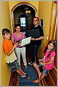 Javier «Wicho», Susana con sus hijos © M. Marras