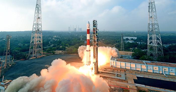 Lanzamiento cohete indio PSLV C40
