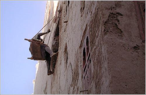 Mantenimiento de las Fachadas en Shibam (CC) Kebnekaise