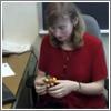 Jessica Fridrich resolviendo un cubo en sub-20