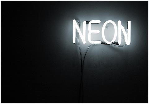 Neón (autorreferente)