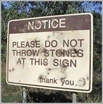 No Tirar Piedras a Esta Señal