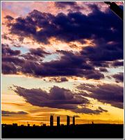 Nubes y Cuatro Torres