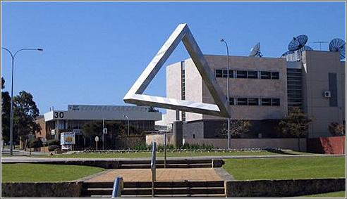 Perth Tri Front