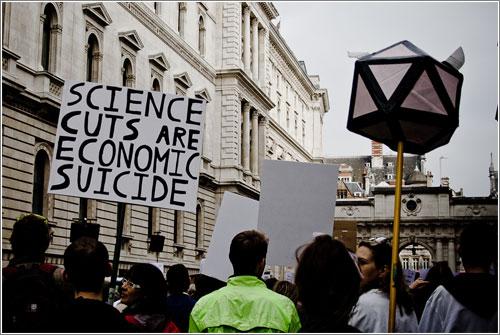 Recortes en Ciencia, Suicidio Económico (CC) Mark Ramsay @ Flickr