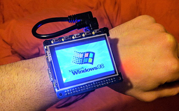 Reloj pulsera windows 98 raspberry