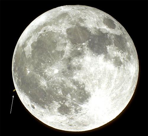 Encuentro entre Saturno y la Luna Foto de Doug Murray – 2001