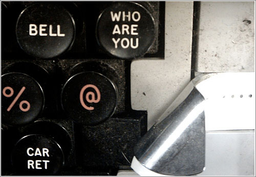 The WHO ARE YOU key (CC) Paul Downey @ Flickr