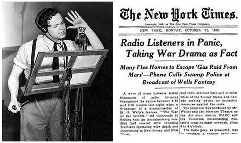 A la izquierda, Orson Welles interpretando su papel en la radio. A la derecha, un titular de The New York Times acerca del hecho.