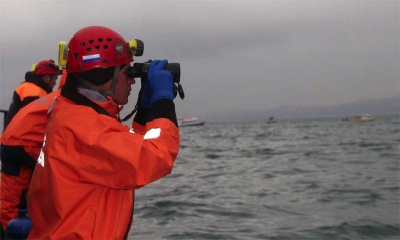 Varias embarcaciones participan en las operaciones de rescate
