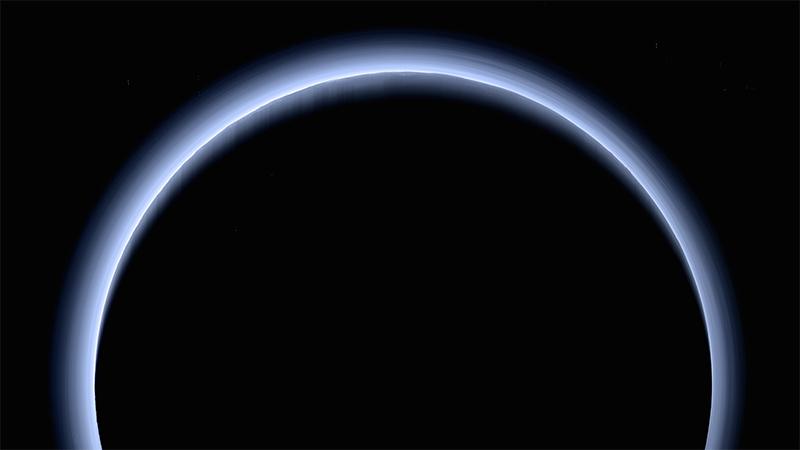La atmósfera azul de Plutón