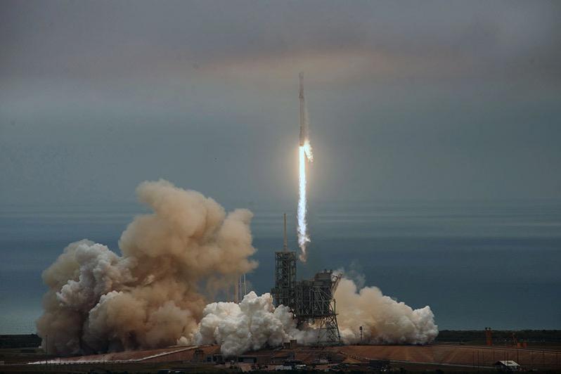 Lanzamiento de la Dragon CRS-10