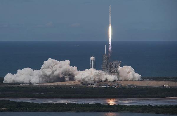 Lanzamiento de la Dragon SpX-11