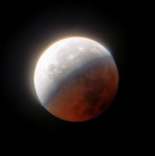 Eclipse parcial de Luna por Steve Ryan