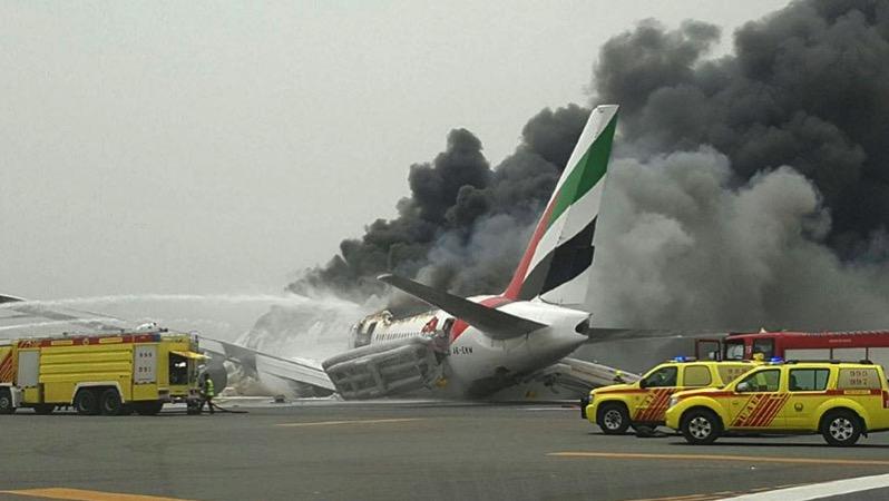 Emirates EK521 en llamas