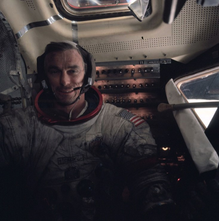 Eugene Cernan a bordo del módulo lunar del Apolo 17