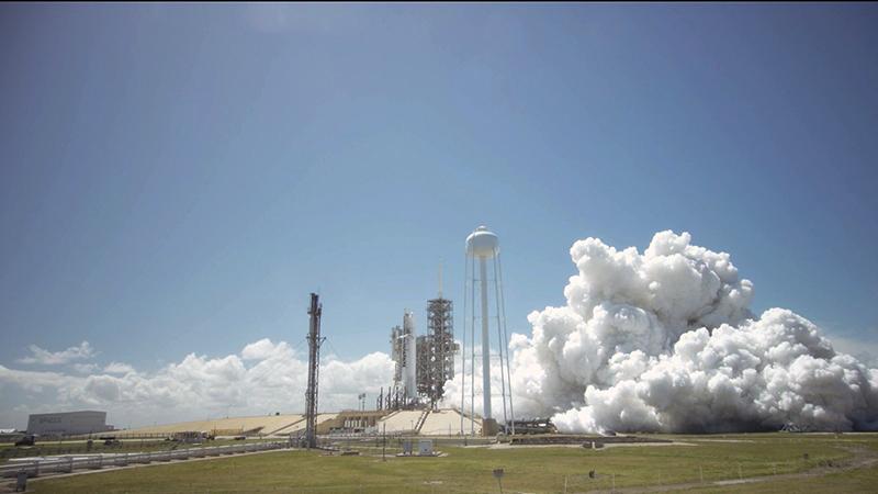 Prueba estática del Falcon 9 que lanzará el SES-10