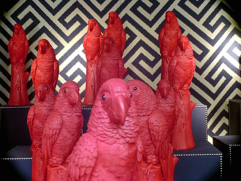 99 (o así) red parrots