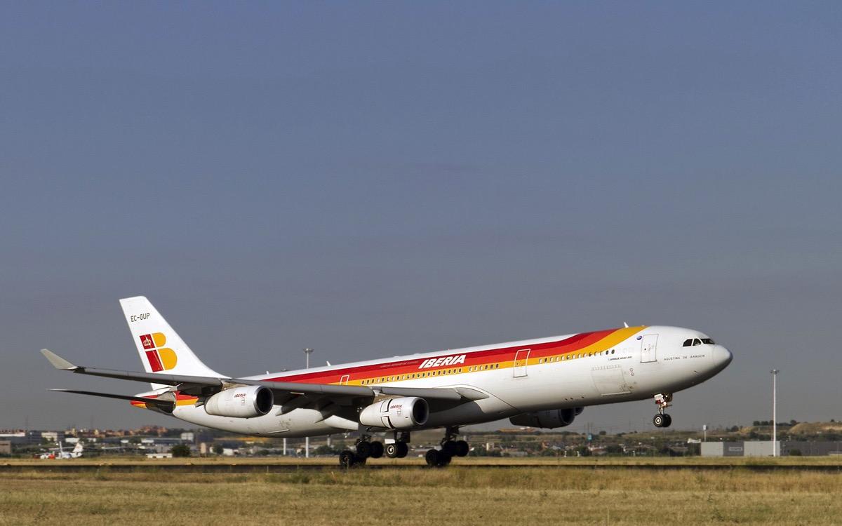 El A340-300 EC-GUP en 2011