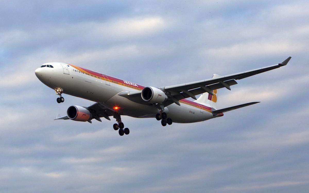 Iberia A330-300 EC-LUB