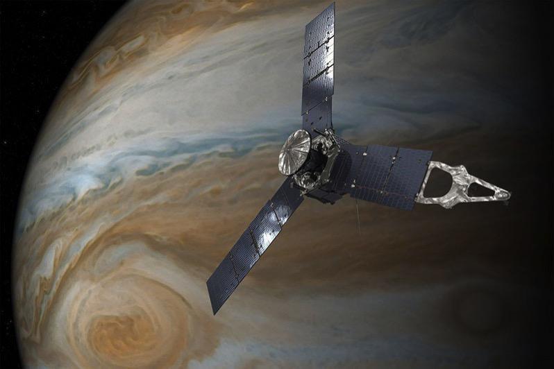 Impresión artística de Juno en órbita