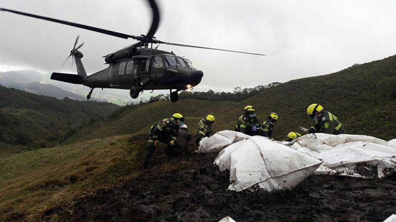Recuperación de cadáveres tras el accidente