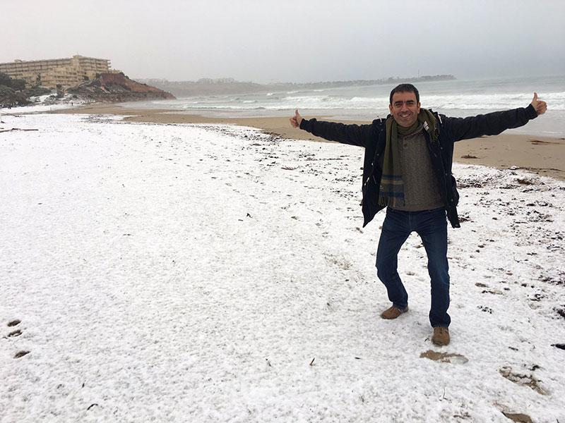 Nieve en la playa en Murcia