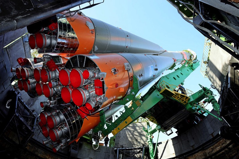 Colocando el cohete en su sitio
