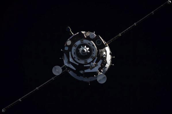 La Soyuz MS-06 aproximándose a la EEI