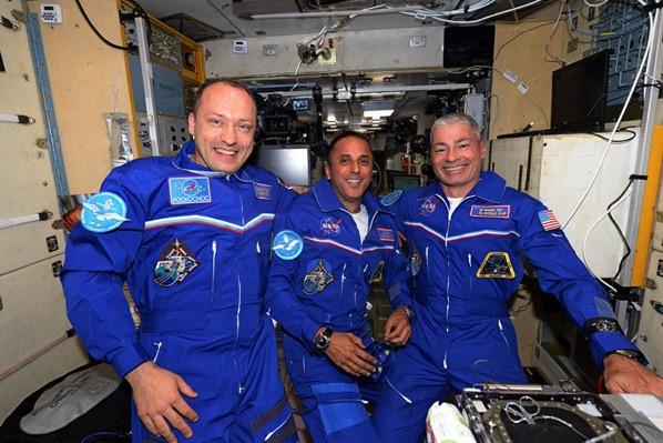 Los tripulantes de la Soyuz MS-06 en la EEI