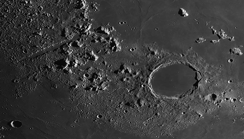 El cráter Platón por Thierry Legault