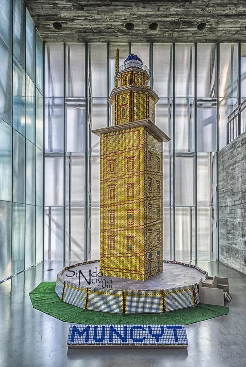 La Torre de Hércules de cubos de Rubik vista por Sindo Novoa