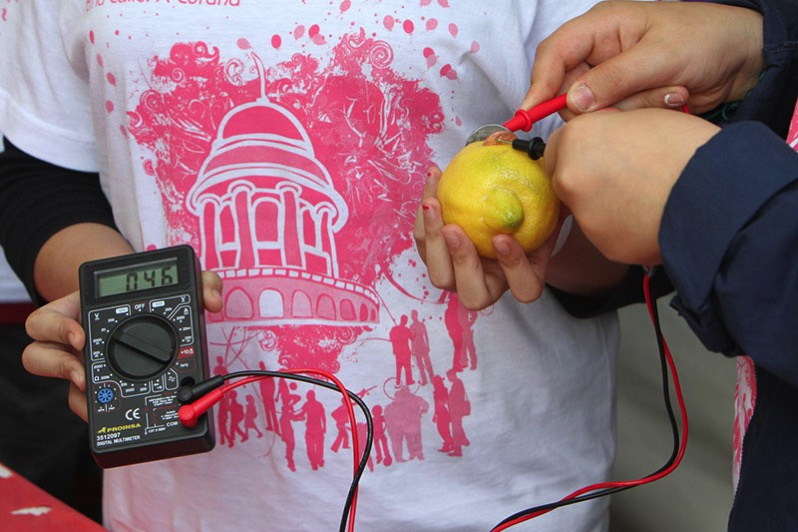 Un limón DCC medio limón