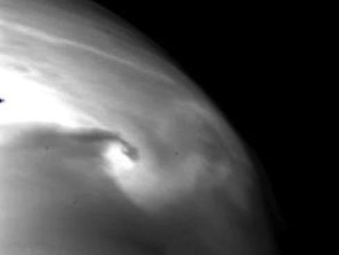 Venus en 2 µm